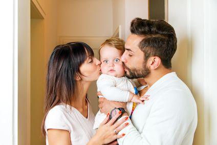 die liebe von eltern zu ihren kindern und ihre. Black Bedroom Furniture Sets. Home Design Ideas