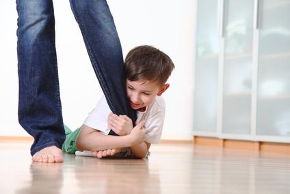 Wenn Kinder Klammern Vaterfreudende Die Seite Für Väter