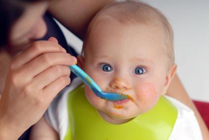 wie viel essen braucht ein baby die seite f r v ter. Black Bedroom Furniture Sets. Home Design Ideas